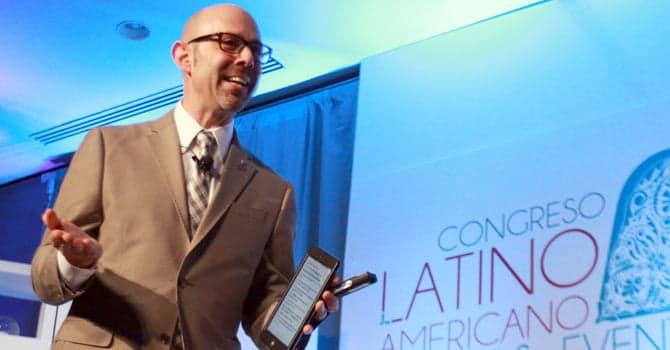 Alan Berg speaking in Mexico